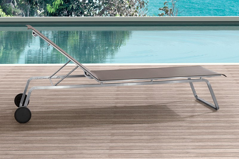 316 stainless steel outdoor beach folding chaise lounges with wheels